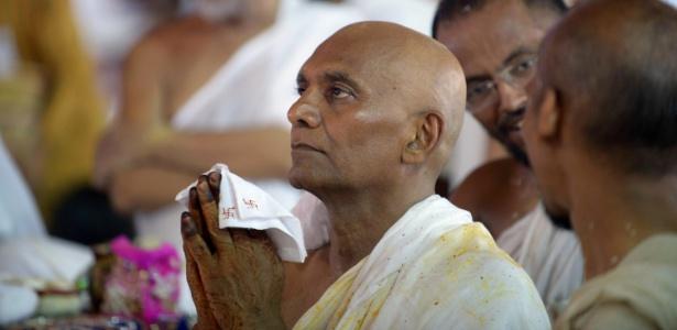 O empresário indiano passou muitas décadas considerando entregar-se à religião - Sam Panthaky/ AFP