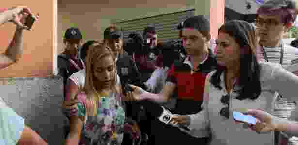 """""""Ele não fez nada, só me ameaçou. Disse que estavam tentando matá-lo e queria me usar como escudo"""", afirmou Leila Lima, 26, feita refém em ônibus no Rio de Janeiro - João Laet/Agência O Dia/Estadão Conteúdo"""