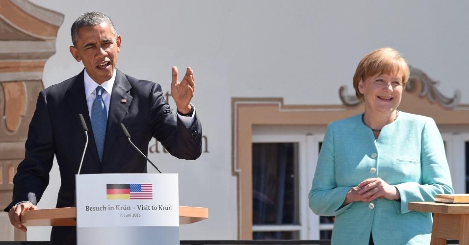 7.jun.2015 - O presidente dos Estados Unidos, Barack Obama, convocou neste domingo (7) os demais líderes do G7 a enfrentarem a agressão russa na Ucrânia, em seu primeiro discurso antes do início da cúpula das sete maiores potências industrializadas, na Alemanha. Na presença da chanceler alemã Angela Merkel, classificada por ele de sócia e amiga, Obama destacou a solidez dos vínculos entre os