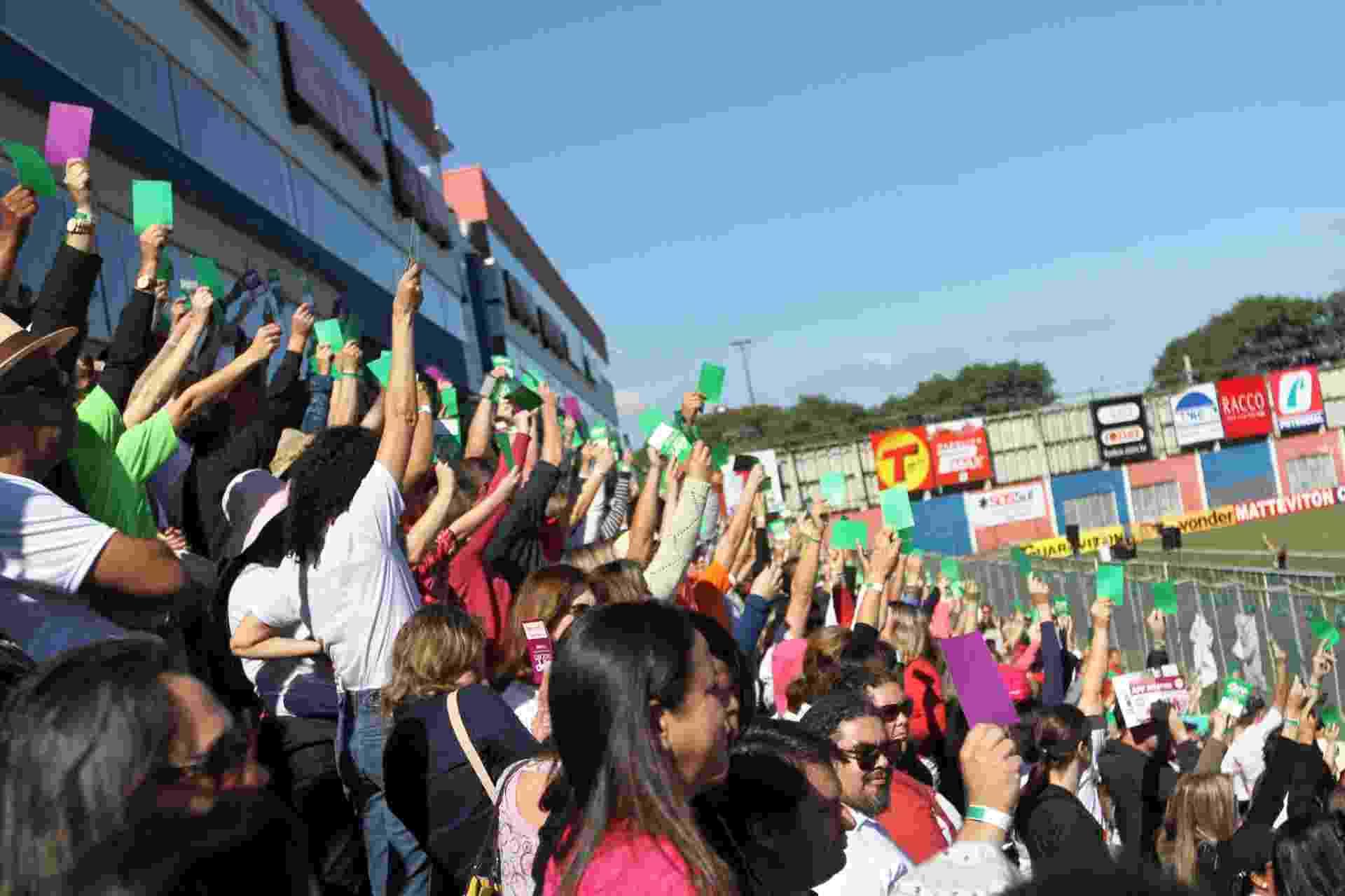 9.jun.2015 - Professores decidem encerrar a greve da categoria no Paraná. O reajuste inicial será de 3,45% e será pago em outubro. O acordo ainda prevê um plano de reajuste até 2018 - Franklin de Freitas/Estadão Conteúdo