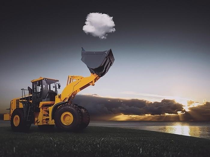 10.jun.2015 - Será que a retroescavadeira consegue recolher a nuvem?