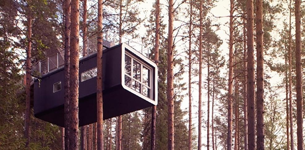 11.jun.2015 - O Treehotel, um hotel situado na aldeia sueca de Harads, oferece quartos em cima de árvores. Mas as construções não são simples casas de madeira, pelo contrário, o design é bastante arrojado