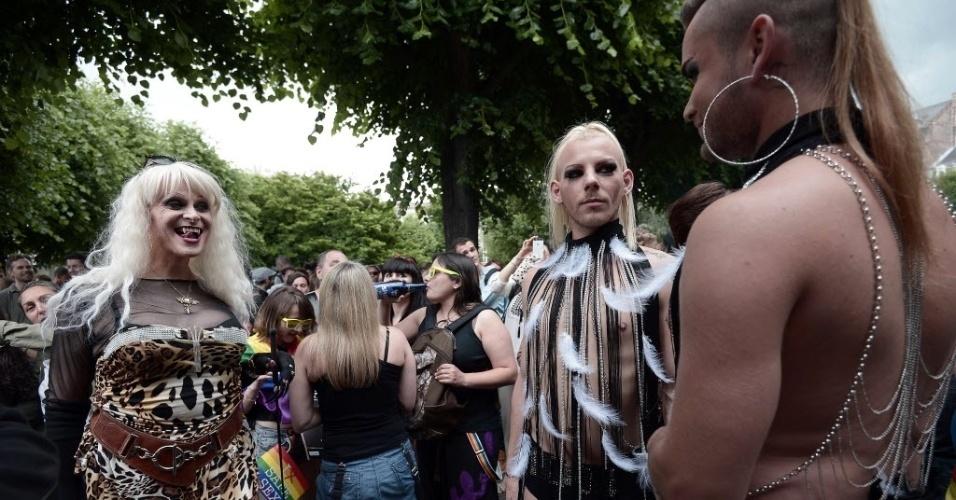 13.jun.2015 - Centenas de pessoas participam da Parada do Orgulho Gay, em Estrasburgo, na França