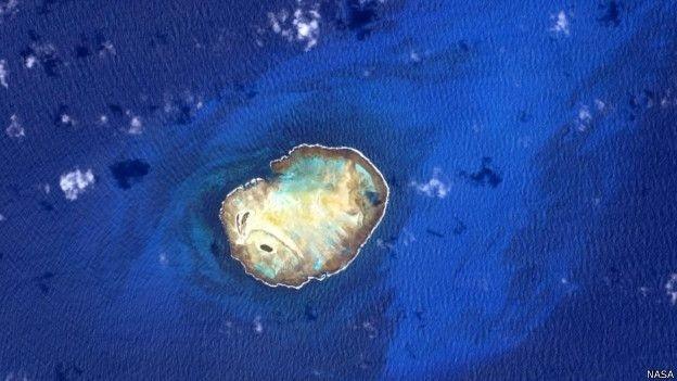 16.jun.2015 - Astronauta americano Scott Kelly se propôs a encontrar 'lugar mais azul do planeta' e publicou foto de ilhas que fotografou, mas não descreveu a localização