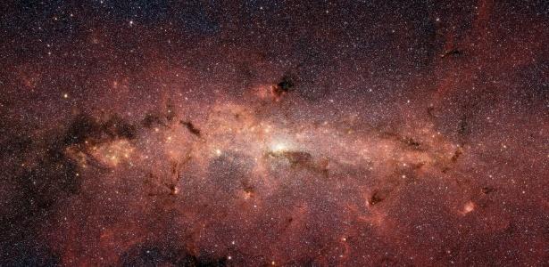 Foto da Nasa (Agência Espacial Norte-Americana) mostra o centro da Via Láctea