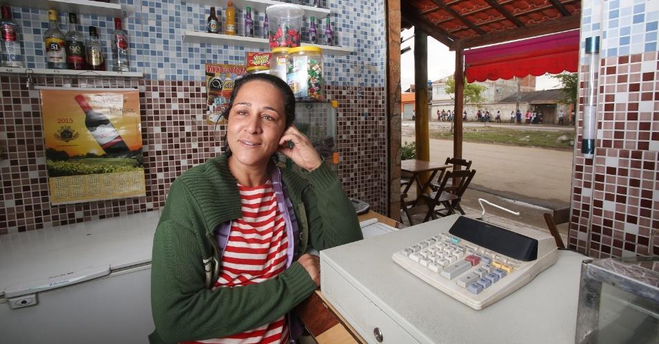 6.jul.2015 - A dona do restaurante Hi Deu Certo, Leila Santos de Oliveira, tinha 3.000 quentinhas encomendadas para a JMJ (Jornada Mundial da Juventude), em 2013, e se viu obrigada a doar 800 frangos depois que o cancelamento dos atos finais do evento em Guaratiba, na zona oeste do Rio de Janeiro, foi confirmado.