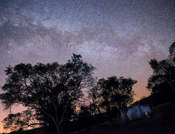 Saiba o melhor horário para ver a chuva de estrelas cadentes desta segunda