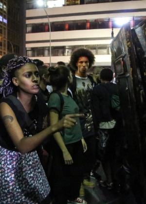 No protesto do dia 21, cordão de PMs impedia a passagem de manifestantes na avenida Ipiranga - Amanda Perobelli - 21.jan.2016/Estadão Conteúdo