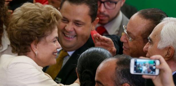 Dilma Rousseff cumprimenta Paulo Maluf durante encontro em março de 2016