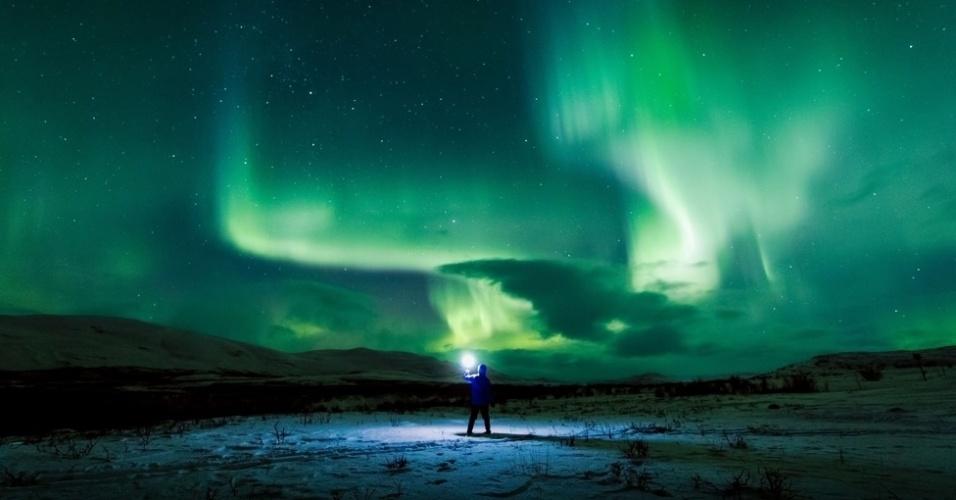 20.abr.2016 - Em suas fotos Goh também conseguiu capturar um fenômeno que pode ser confundido com a aurora boreal. Mas na verdade este brilho verde no ar é causado por várias reações químicas nas camadas mais altas da atmosfera terrestre