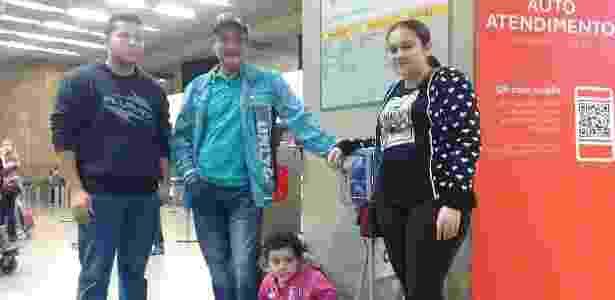 família no aeroporto - Mirthyani Bezerra/UOL - Mirthyani Bezerra/UOL