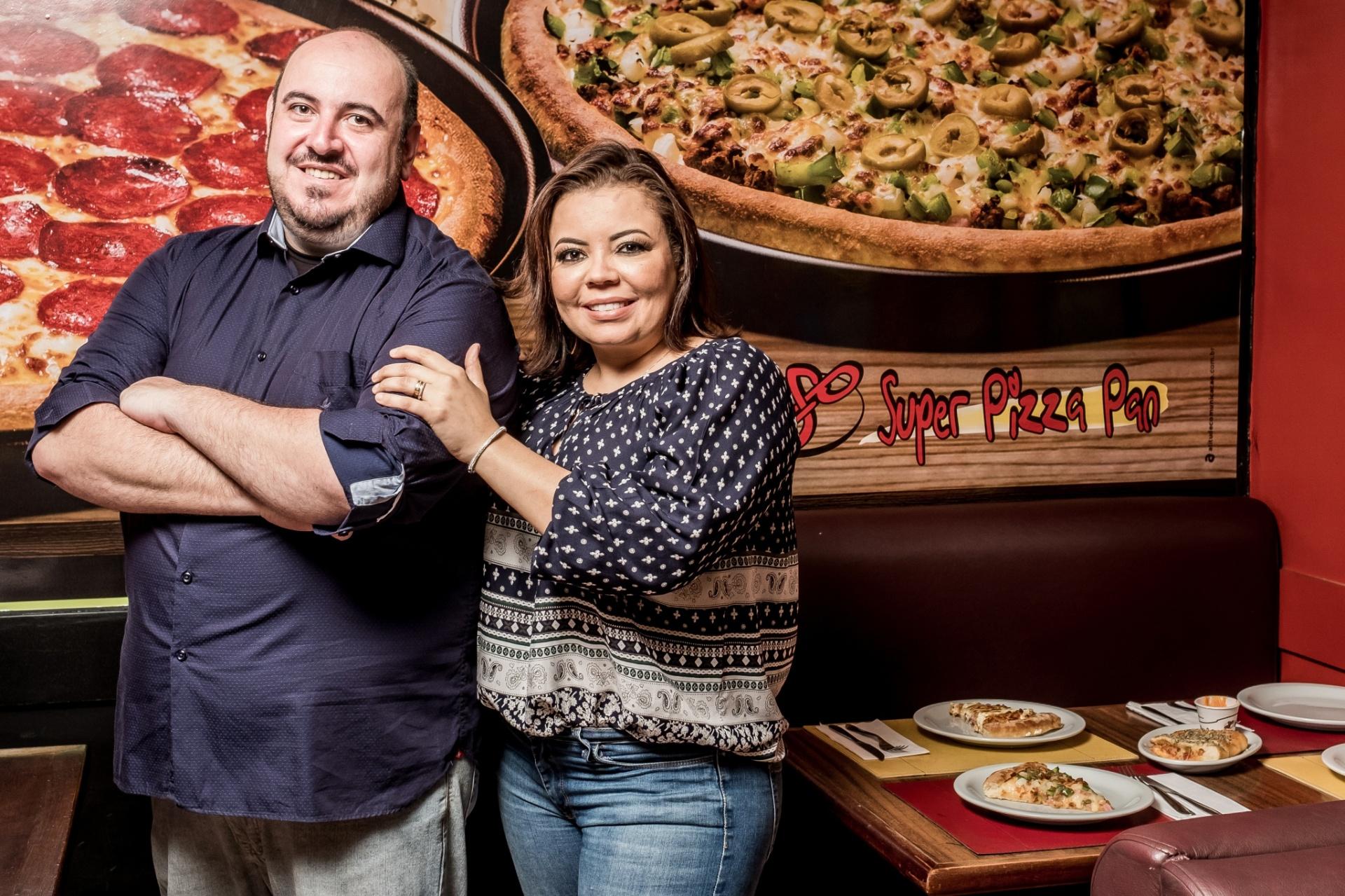 Comecou Fazendo Pizza Em Casa E Entregando A Pe Hoje Fatura R 22 6 Mi 27 12 2017 Uol Economia