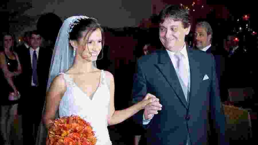 """Renato Machado Cotta com a filha Bianca, uma das vítimas do acidente: """"Não há um único dia em que eu não pense nela"""", diz ele - Acervo pessoal"""