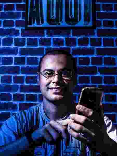 Jhony adora saber das novidades do WhatsApp antes de todo mundo, mas no fundo prefere o Telegram - UOL