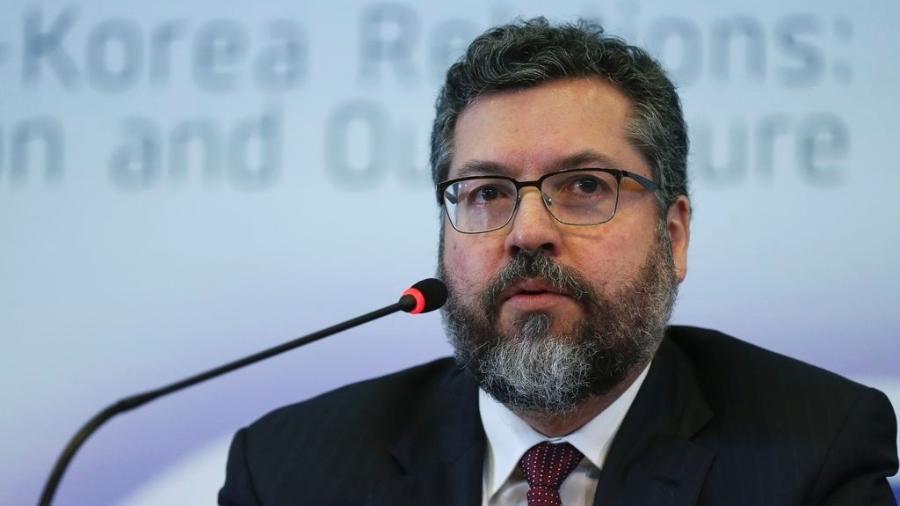 3.set.2019 - O ministro das Relações Exteriores, Ernesto de Araújo, durante debate sobre os 60 anos de relações diplomáticas entre Brasil e Coreia do Sul - José Cruz/Agência Brasil