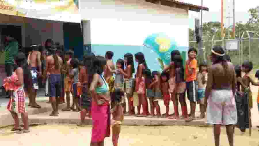 Fila para vacinação de crianças indígenas no Distrito Sanitário Especial Indígena (DSEI), no Tocantins - Ministério da Saúde