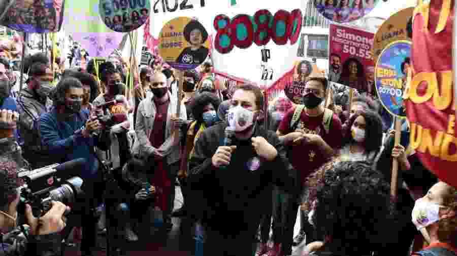 Guilherme Boulos em ato de campanha voltado para a juventude, realizado no último dia 16 de outubro, na praça Roosevelt, no centro de São Paulo, ponto de encontro de jovens de 16 a 24 anos de toda a cidade - Divulgação