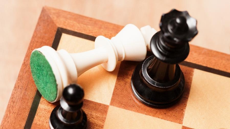 Jogo de xadrez - iStock