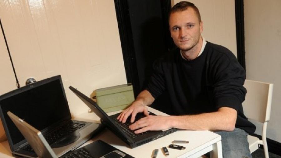 James Howells começou a minerar criptomoedas em 2009 e armazenou cerca de 7.500 unidades em seu disco rígido - Reprodução/Wales News Service