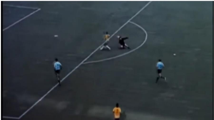 Pelé dá o mais genial drible da vaca da história, em jogo contra a Seleção do Uruguai, em 1970. O de Humberto Jacques de Medeiros não foi tão bom - Reprodução/Youtube