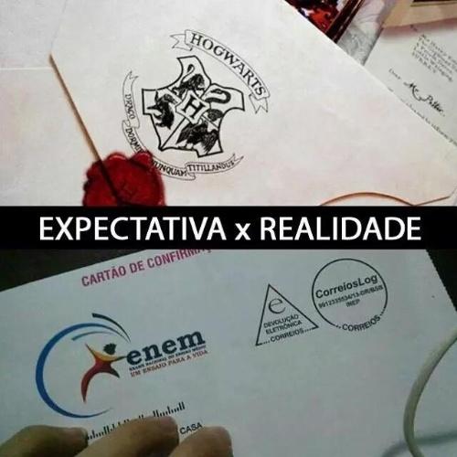 No primeiro dia do Enem (Exame Nacional do Ensino Médio) 2015, brasileiros fazem piada com a expectativa para a prova que será realizada em todo o país para mais de 7 milhões de estudantes