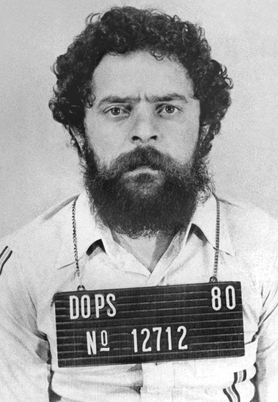 11.mar.2016 - O então líder sindical Luiz Inácio Lula da Silva preso no Dops em São Paulo, em 19 de abril de 1980