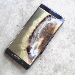 Samsung cancelou Note 7 devido a relatos de incêndios