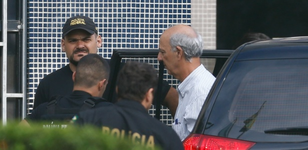 Jose Roberto Arruda chega preso à superintendência da PF em Brasília - Pedro Ladeira/Folhapress