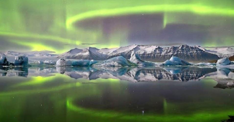 """No hemisfério norte, a aurora polar é chamada """"boreal"""". No hemisfério sul, chama-se aurora austral"""