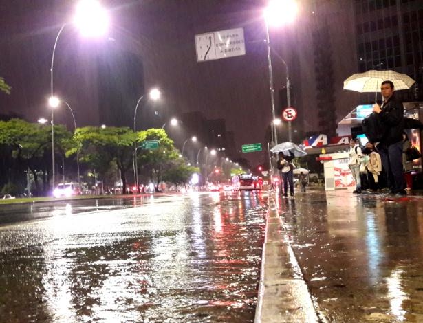 Capital paulista amanheceu sob chuva e em estado de alerta nesta quinta-feira