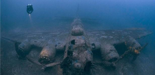 Destroços incrivelmente preservados de um B-17 perto de Vis, na Croácia - Steve Jones/www.millionfish.com