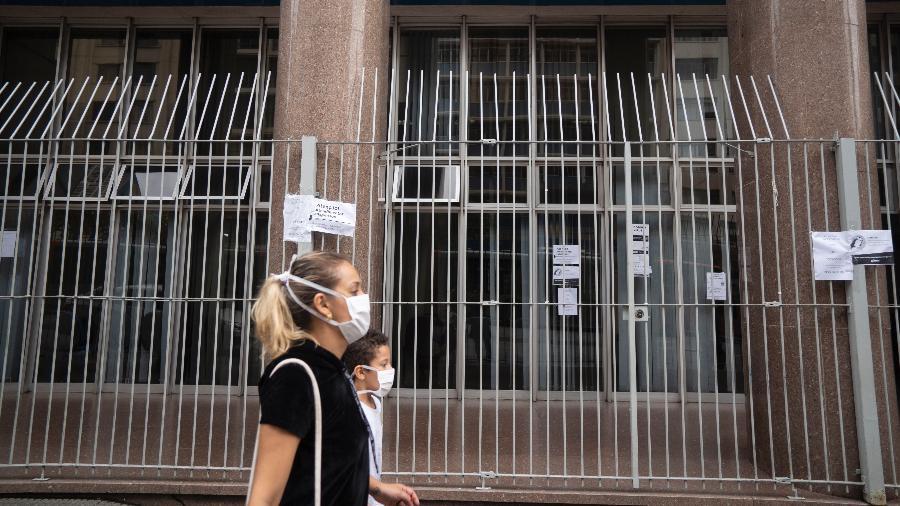 Governo afirma que foram realizadas 1.376 perícias presenciais hoje - Andre Porto/UOL