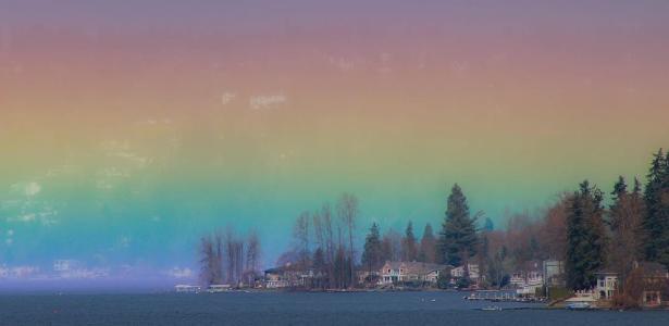 """Fotógrafa registra """"arco-íris horizontal"""" que encheu o céu em Washington"""