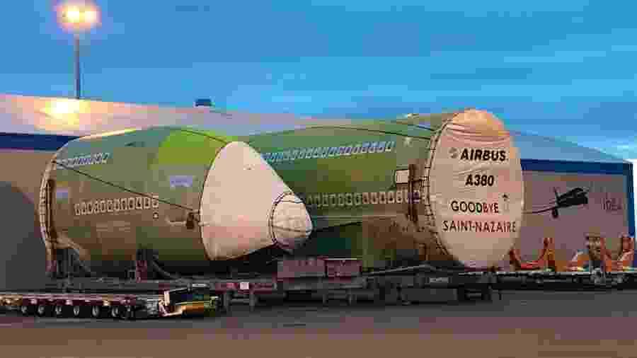 Fuselagem do último A380 é transportada para a fábrica da Airbus em Toulouse - Reprodução/Twitter