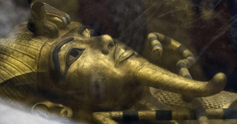 29.set.2015 - Tumba de Tutancâmon, no Vale dos Reis, em Luxor, Egito. O egiptologista britânico Nicholas Reeves está no local para comprovar sua tese de que a múmia da rainha Nefertite, desaparecida desde 1330 a.C., está em uma sala secreta anexa ao sarcófago