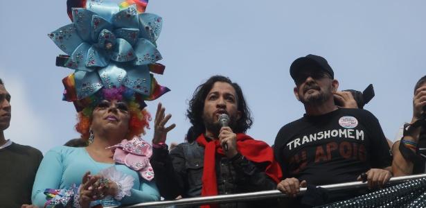 29.mai.2016 - O deputado federal Jean Wyllys (PSOL-RJ) participa da 20ª Parada do Orgulho LGBT, em São Paulo