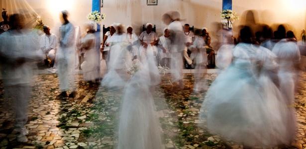No interior de SP   Mãe perde guarda da filha após jovem participar de ritual do candomblé