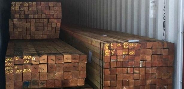 Foram retidos 444 contêineres no porto de Manaus