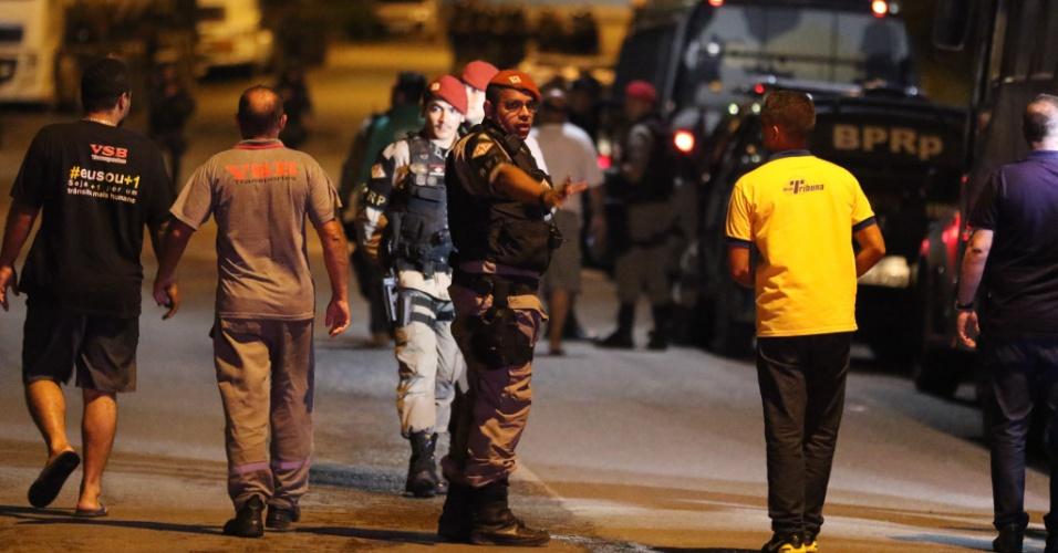 Justiça determina desocupação imediata de bloqueios do porto de Suape, em Pernambuco