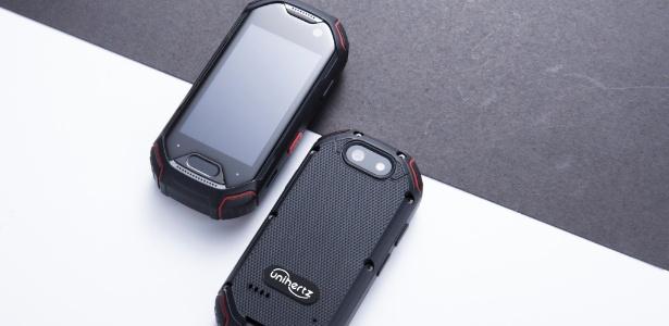 O Atom, da Unihertz, tem especificações técnicas de um smartphone intermediário - Divulgação
