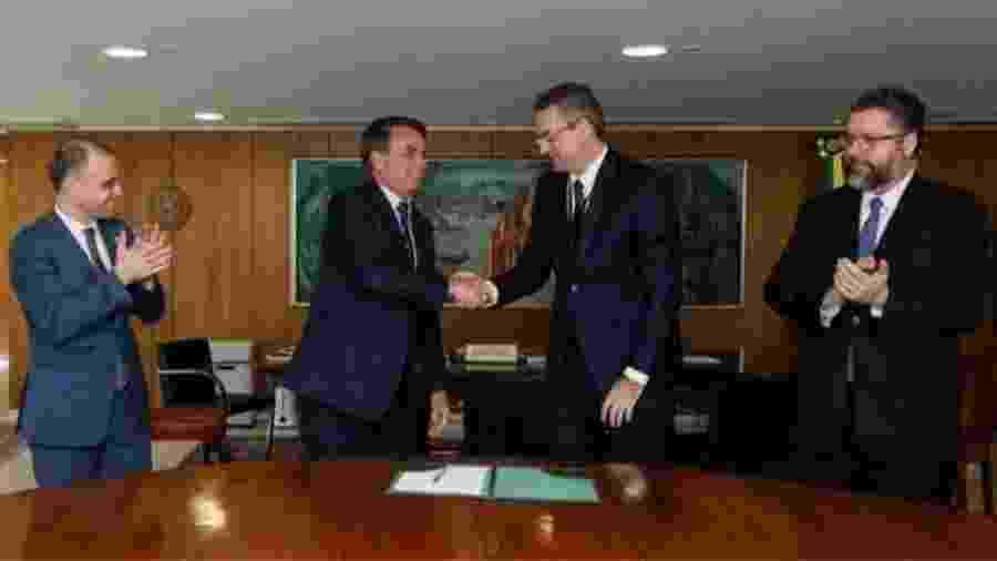 Bolsonaro dá posse ao delegado Alexandre Rolando de Souza como diretor-geral da Polícia Federal - Divulgação