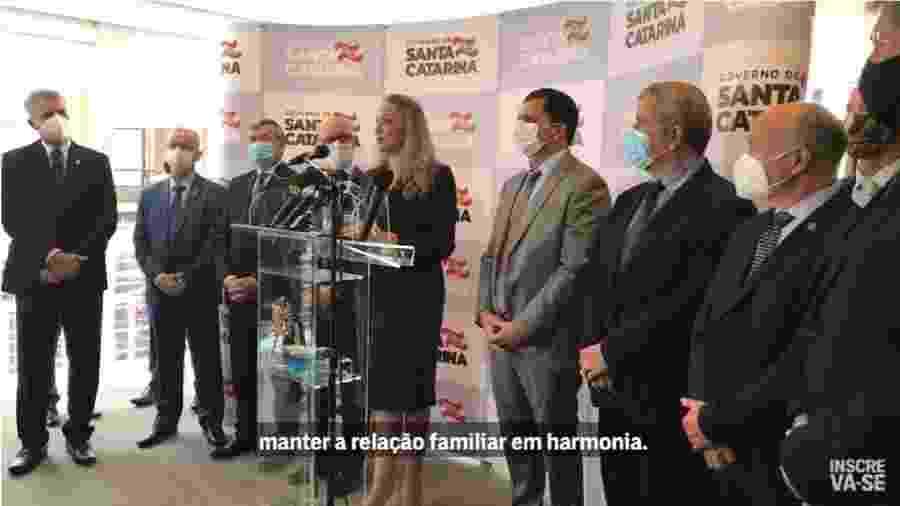 """Danilea Cristina Reinehr assume como interina, faz discurso de governadora eterna de Santa Catarina e se nega a repudiar ideias nazistas do pai em nome da """"harmonia da família"""". Será isso conservadorismo? - Reprodução/Youtube-The Intercept Brasil"""