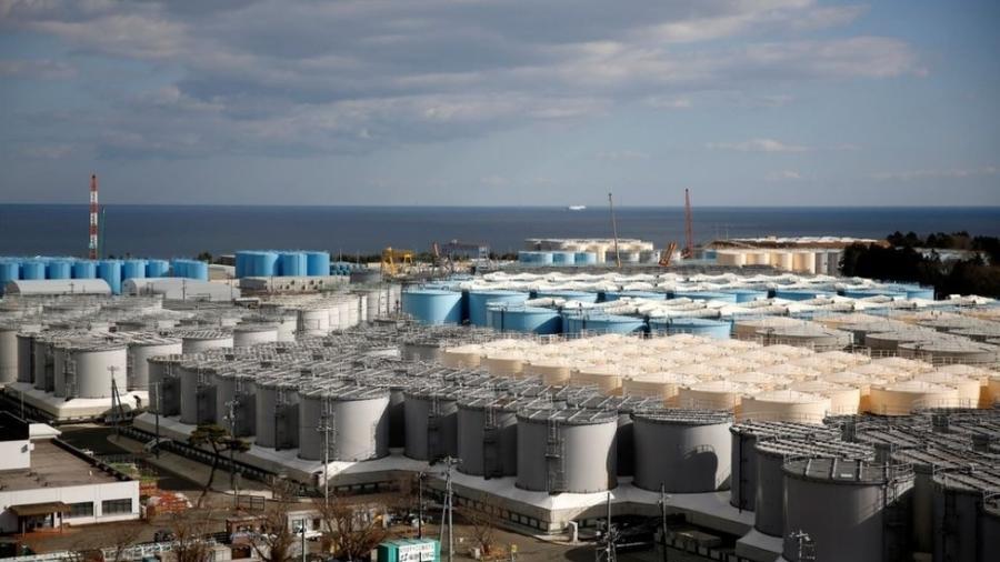 Tanques de armazenamento de água radioativa na usina nuclear de Fukushima - Reuters