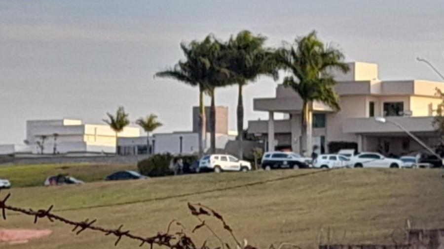 Empresário foi morto a tiros por filho de 14 anos em condomínio de luxo em Valinhos - Reprodução/ EPTV