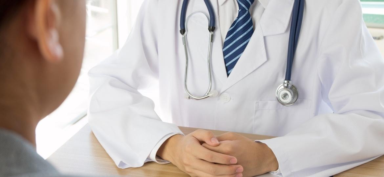 """""""Recomendação da comunidade científica é que os pacientes não deixem de fazer suas consultas de rotina e, quando estão em tratamento, não abandonem a terapia"""", disse o presidente da SBU-SP, o urologista Geraldo de Faria - Getty Images"""