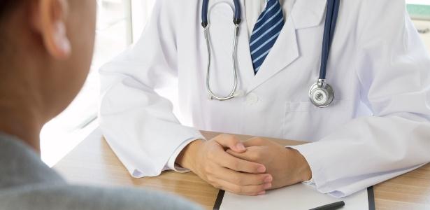 📷 Médico | UOL