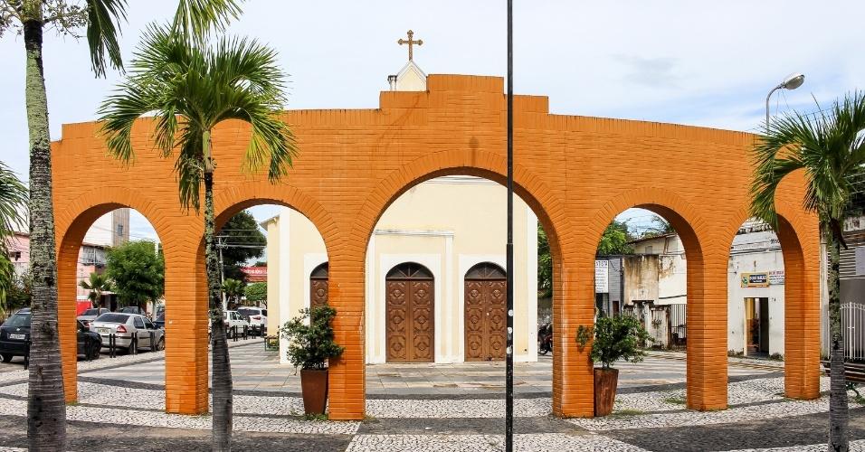 """""""Quem manda aqui são os traficantes"""", lamentam os moradores das áreas periféricas de Eusébio (CE)"""