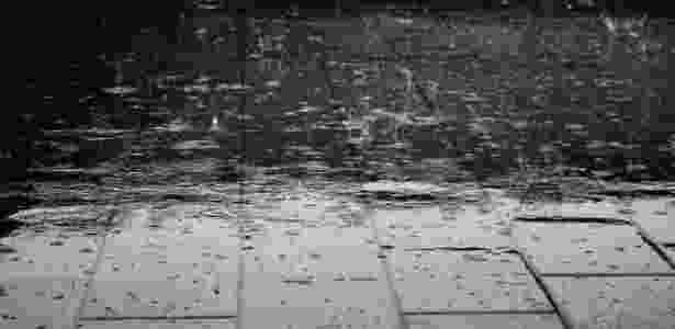 Alguns cientistas acreditam que os humanos desenvolveram um gosto pelo cheiro de chuva já que nosssos antepassados dependiam da chuva para sobreviver - Pixabay