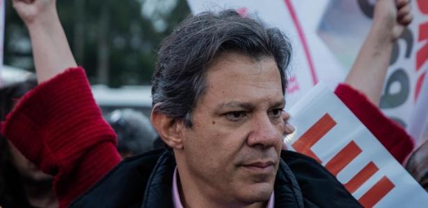5.set.2018 - O vice-candidato pelo PT Fernando Haddad durante campanha em SP