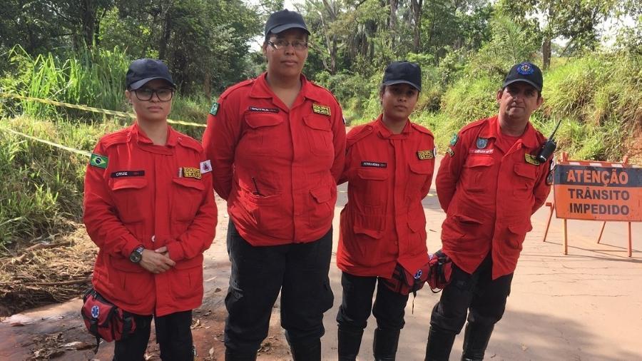 Brigadistas voluntários viajaram a Brumadinho para ajudar nas buscas de sobreviventes da queda da barragem  - Amanda Rossi/BBC News Brasil
